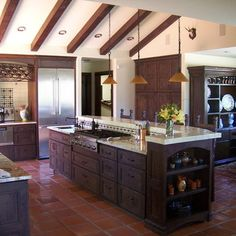 Mediterranean Design, Pictures, Remodel, Decor and Ideas - page 167 Spanish Colonial Kitchen, Mediterranean Design, Mediterranean Home Decor, Kitchen Redo, New Kitchen, Kitchen Remodel, Kitchen Design, Kitchen Ideas, Kitchen Island