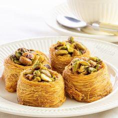 Greek Desserts, Mini Desserts, Greek Recipes, Veggie Recipes, Arabic Sweets, Arabic Food, Gummy Bear Popsicles, Turkish Baklava, Snap Food