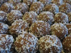 Kokosové kuličky Muffin, Breakfast, Food, Christmas Ideas, Cakes, Morning Coffee, Muffins, Meal, Essen