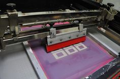 Silkscreen printing machine - want one!