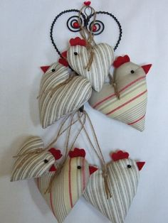 Tall skinny long legged birds to make -- comical Cute Crafts, Diy And Crafts, Arts And Crafts, Easter Crafts, Christmas Crafts, Christmas Ornaments, Sewing Projects, Craft Projects, Chicken Crafts