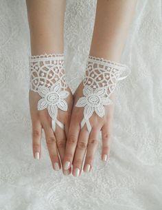 Wedding Gloves, ivory lace gloves, Fingerless Gloves, ivory wedding gown, off  cuffs, cuff wedding bride, bridal gloves, Ivory, Free Ship