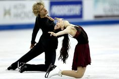 Meryl Davis and Charlie White skate in the free dance during the 2013 Prudential U. Figure Skating Championships at CenturyLink Center Saturday in Omaha. The pair won the U. Synchronized Skating, Meryl Davis, Skate 3, Dancing Figures, World Figure Skating Championships, Ice Dance, Ice Princess, Dance Photos, Ice Skating