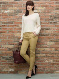 Ciekawa propozycja i stylizacja. Taka odzież damska jest dość często spotykana i obecnie bardzo mocno. Wygodna i elegancka