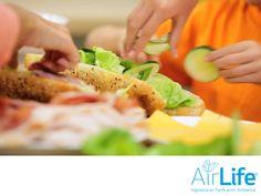 Alimentos más limpios. LAS MEJORES SOLUCIONES EN PURIFICACIÓN DEL AIRE. Las enfermedades transmitidas por alimentos son generalmente de carácter infeccioso o tóxico, provocadas por bacterias, virus y parásitos que están en el aire y penetran en el organismo a través de comida contaminada. En AirLife, ayudamos a mejorar la calidad de los alimentos a través de un sistema que nos permite controlar la contaminación microbiológica ambiental.  www.airlifeservice.com #airlife