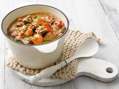 Lihapata uunissa Ciabatta, Cheeseburger Chowder, Macaroni And Cheese, Berries, Food And Drink, Soup, Healthy Recipes, Healthy Food, Beef