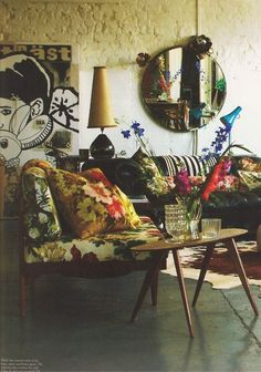 I so love the feeling of this room! So naturally bohemian chic without trying so hard- like a lot of rooms we've seen...