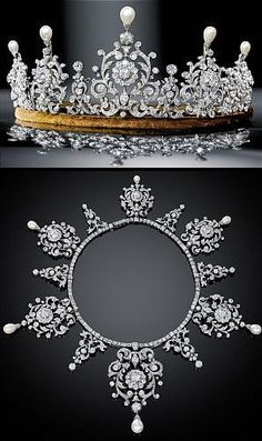 Diamond & Pearl ~ this tiara can be taken off it's base and worn as a necklace; my wedding tiara (not this big! it's quite common in tiaras Totally fit for a princess Royal Crowns, Royal Tiaras, Crown Royal, Tiaras And Crowns, Antique Jewelry, Vintage Jewelry, Or Antique, Bijoux Art Deco, Stud Earrings