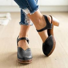 Clogs For Women Vintage Buckle Strap Closed Toe Shoes - gifthershoes Oxford Shoes Heels, Women Oxford Shoes, Shoes Women, Women Sandals, Ladies Shoes, Women's Shoes, Women's Oxfords, Shoes Style, Buy Shoes