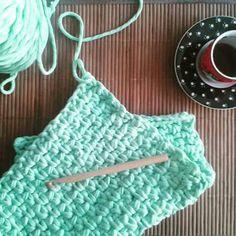 Zpagetti / tshirt yarn / trapillo / Cotton Spaghetti / Bobbiny mint clutch. Crocheted. Mamanufaktura creation.