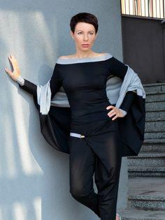BLOUSE MUI VON MOMO Bluse mit einem Ausschnitt Arme aus der neuen Kollektion Aufdeckung zweifarbig schwarz und grau von hoher Viskose MASSE: Modell 170cm, im Bild 36-38 ZUSÄTZLICHE...