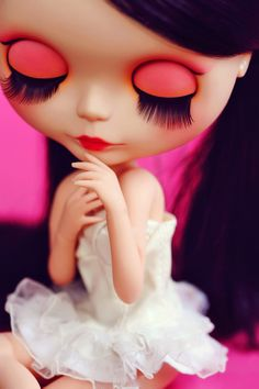 Happy Dying Sun: Blythe Doll Discoveries.