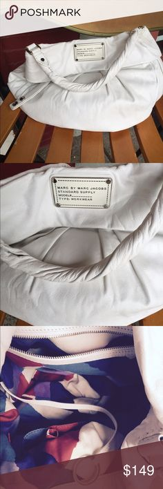 Marc by Marc Jacobs standard hobo bag Marc by marc Jacobs hobo bag cream mint condition Marc by Marc Jacobs Bags Hobos