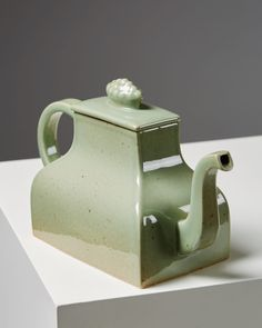 Teapot Kinesen designed by Signe Persson Melin for Rörstrand, — Modernity Teapot Design, Tea Pots, Great Gifts, Ceramics, Tableware, Interior, Furniture, Home Decor, Ceramica