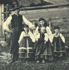 Vintage photo of a peasant family from the town of Łowicz, Poland