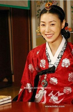 Yi San (Hangul: 이산; hanja: 李祘), also known as Lee San: The Wind of the Palace, is a 2007 South Korean historical drama, starring Lee Seo-jin and Han Ji-min. It aired onMBC from September 17, 2007 to June 16, 2008 on Mondays and Tuesdays 화완옹주 성현아