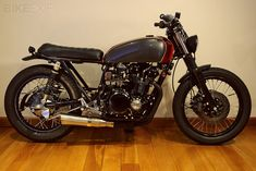 "Suzuki GS550 Custom ""Stray Dog"""