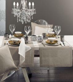 Tischwäsche aus Leinen, z. B. Lin von Pichler. Erhältlich in weiß und weiteren schönen Farben.