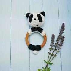 Hochet crochet Panda 100% coton fait main- Anneau de dentition en bois