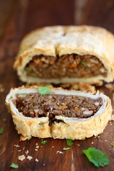 Easy Vegan Wellington for the Holidays and potlucks. Make into a loaf to make gluten-free. Vegan Wellington with Mushrooms, Lentils, Veggies - Vegan Richa Vegan Thanksgiving recipes that bring full-flavor and deliciousness to your table. Vegan Vegetarian, Vegetarian Recipes, Cooking Recipes, Vegan Food, Pastry Recipes, Beef Wellington, Vegetable Wellington, Lentil Recipes, Vegetarian