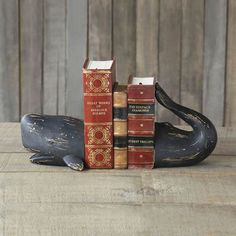 Glad Whale Bookends