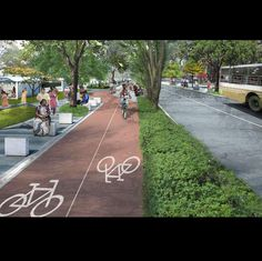 Chennai gets its first bicycle track. The track is 3.8km long, elevated above road level making it safe for thousands of school children and cyclists.  http://timesofindia.indiatimes.com/city/chennai/pedal-your-way-out-of-traffic-blues-kk-nagar-gets-citys-first-cycle-track/articleshow/57783615.cms  #cycling #cycle #bicycle #bikelane #cycling #biketowork #cycletrack #cycletowork #infrastructure #transport #smartcities #mumbai #india #sustainability #transport #transporation #traffic…