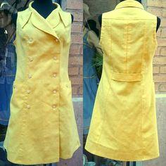 Bonito vestido amarillo de los años 60. Hechuras caseras. Está sin estrenar. Talla 40. #Calypso #CalypsoZGZ #vintageshop #vintagefashion #vintage #zaragozaisvintage #zaragozavintage #años60 #1960s #mod