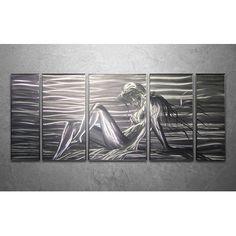 This amazing #Figurative create a stunning effect on a wall. #Homedecor #home #Wallart #Largecanvasart #Walldecoration #Painting #metalart #onlineart #artforsale