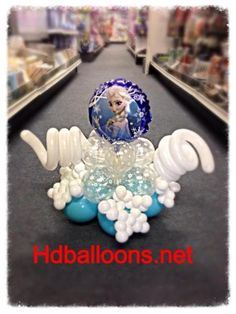 HDBalloons.net Product -Disney Frozen Balloons Tabletop Centerpiece (now that i know how to make balloons curl)