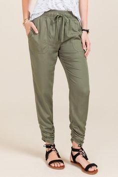 Marisol Twill Ruched Ankle Jogger Pant