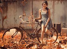 велосипед или просто девушка