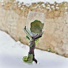 """""""Wine glass...X-mas gift #dnestvorim #vyrobenosrdcem #pohar #sklenice #vinic #vino #bielevino…"""""""