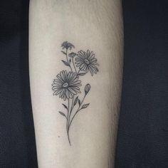 Aster Tattoo, Aster Flower Tattoos, Birth Flower Tattoos, Small Flower Tattoos, Sunflower Tattoos, Flower Tattoo Designs, Small Tattoos, Daisies Tattoo, Small Daisy Tattoo