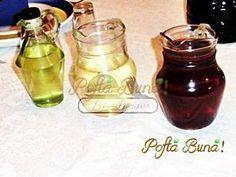 Lichior de gutui de casa - o reteta usor de preparat, explicata pas cu pas, pentru un rezultat cat mai bun. Romanian Food, Romanian Recipes, Limoncello, Hot Sauce Bottles, Conservation, Preserves, Tea Time, Pantry, Smoothies