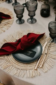 This Black and burgundy tablescape with gold cutlery and raffia place-mat worked beautifully for Contemporary Coastal Chic Topical Wedding Wedding Cutlery, Wedding Napkins, Red Wedding, Chic Wedding, Wedding Ideas, Marquee Wedding, Burgundy And Gold, Wedding Table Settings, Happy Day