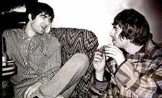Find images and videos about oasis, noel gallagher and liam gallagher on We Heart It - the app to get lost in what you love. Liam Oasis, Liam Gallagher Noel Gallagher, Oasis Music, Alan White, Oasis Band, Liam And Noel, Sibling Relationships, Britpop, Nikki Sixx