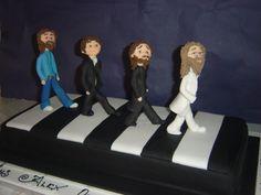 Matcha tea cake and tonka bean - HQ Recipes Beatles Cake, The Beatles, 1234 Cake, Bean Cakes, The Fab Four, Cake Pans, Matcha, Amazing Cakes, Cake Toppers