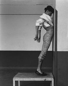 a matador gets himself ready by Inge Morath Matador Costume, Inge Morath, Spanish Culture, Pop Art, Arte Horror, Spanish Style, Spanish Dance, Spanish Art, Street Art