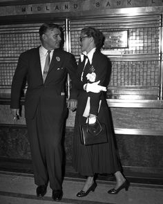 Slim Keith and Clark Gable in New York, July 1948.  Photo by Art Whittaker.