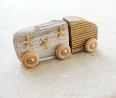 The Beach Truck  Driftwood and StarFish por StarHomeStudio en Etsy