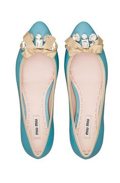FLAT OUT  Say goodbye to towering heels and aching toes this summer (2013) as fashion gets comfy with flats