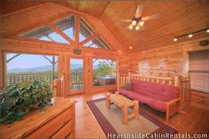 Million Dollar View - 2 bedroom cabin that lives up to its name!