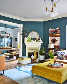 The pattern filled home of interior designer Natalie Papier 👩‍🎨 photos. By the artist via the Glitter Guide My Living Room, Interior Design Living Room, Living Room Decor, Hallway Decorating, Decorating Your Home, Dressing Room Design, Stylish Bedroom, Interiores Design, House Colors