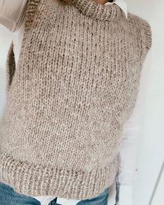 Knitting Stiches, Easy Knitting, Kreative Jobs, Knit Cardigan Pattern, Knit Fashion, Crochet Clothes, Knitted Hats, Knitting Patterns, Knit Crochet