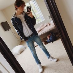 (Face Claim: Dylan Dauzat) Hey! I am Dylan! I am 17 and single! I am a YouTuber and I make funny videos! I am also part of Magcon! I am looking for a girlfriend so introduce!
