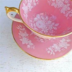 Vintage Aynsley Pink and White Floral Rose Tea Cup and Saucer. Perfect tea cup for me ! Rosen Tee, Pink Tea Cups, Café Chocolate, Party Set, Teapots And Cups, My Cup Of Tea, China Patterns, Tea Cup Saucer, Pretty In Pink
