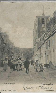 De Torenstraat bij de Oldehove begin 1900. Leeuwarden