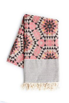 Quince Living - House of Rym Heavenly Honeycomb Rose Blanket Textiles, Aztec Blanket, Pink Blanket, Beach Blanket, Tapis Design, Home And Deco, Looks Cool, Home Textile, A Boutique