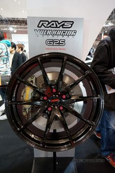 Finally a 'high-quality' Porsche 911 GT3 type wheel for the masses! Rays Volk Racing G25.