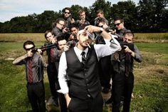 These 20 Funny Groomsmen Photos Will Make You Smile - That's Our Cue | Guff